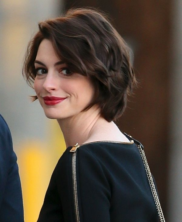 Best 25+ Anne Hathaway Haircut Ideas Only On Pinterest
