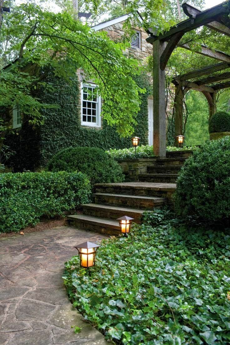 Transition between upper driveway and backyard patio: Lovely garden path & lighting!