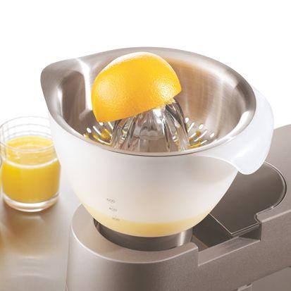LE PRESSE-AGRUMES Parfait pour extraire facilement et rapidement le jus de tous types d'agrumes.