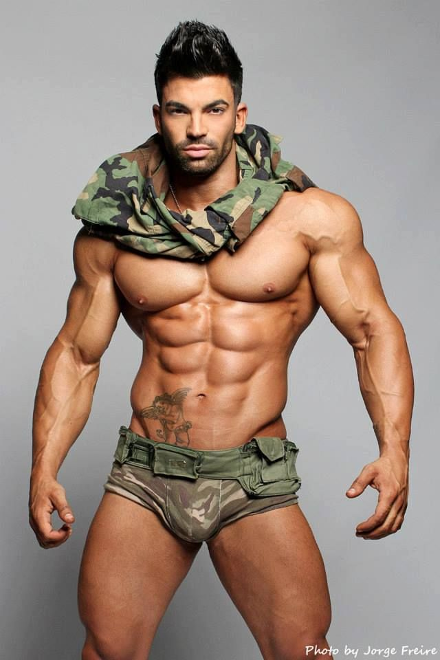 Hot Muscular Gay 61