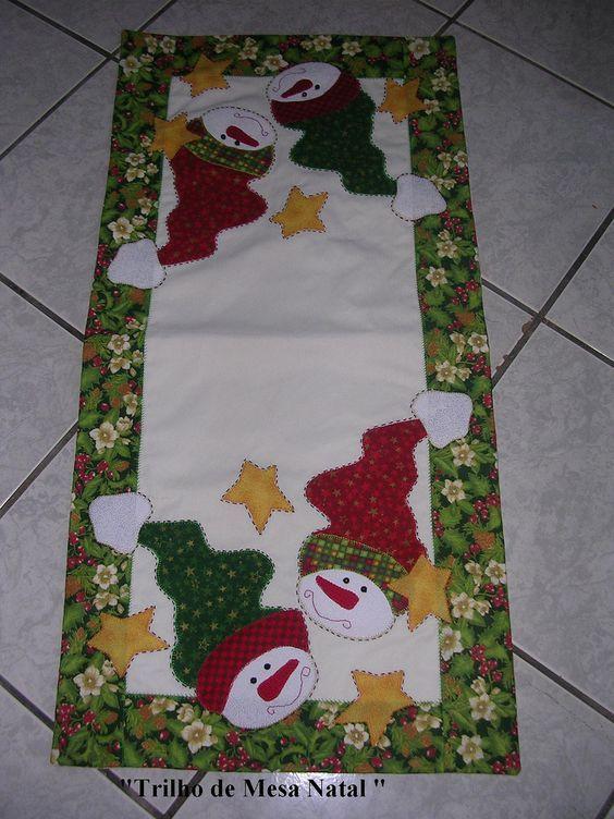 Resultado de imagem para trilho de mesa com aplicação de laço natalino