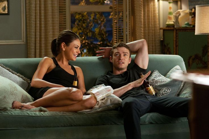 Still of Mila Kunis and Justin Timberlake in Friends with Benefits (2011) http://www.movpins.com/dHQxNjMyNzA4/friends-with-benefits-(2011)/still-1761445120