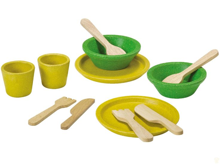 Kids will love setting their kitchen table in style with this bright and cheery tableware set from Plan Toys.