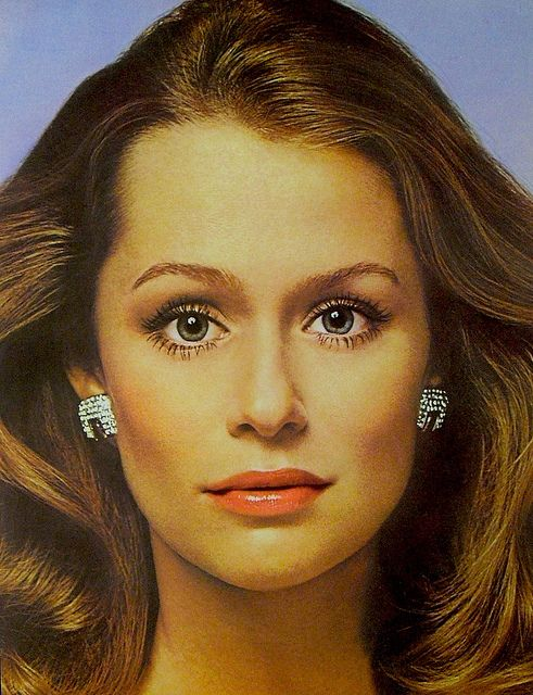 1973 LAUREN HUTTON by RICHARD AVEDON 1970s fashion photo REVLON | Flickr - Photo Sharing!