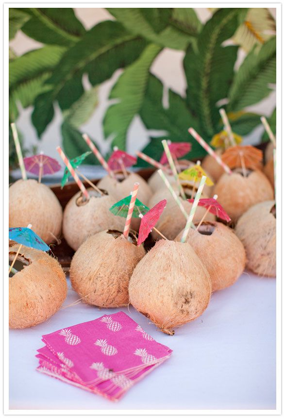 umbrellas and coconut shower drinks - the pineapple napkins!!! AH - love.