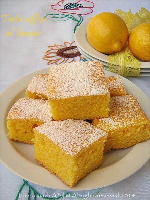Che ne pensate delle torte con la frutta ? Io amo moltissimo la fragranza del limone nei dolci e oggi vi propondo questa soffice, strabuona torta al limone!