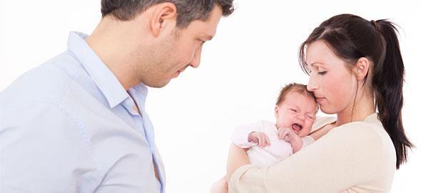 Γιατί δεν πρέπει να τσακώνεστε μπροστά στο μωρό