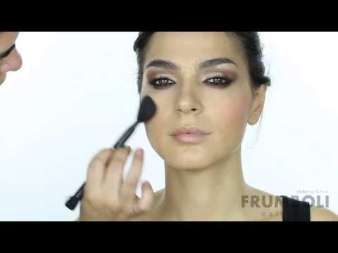 Tutorial para aprender a maquillar smokey eyes marron y negro. www.bettinafrumboli.com.ar #tutorial #makeup #smokeyeyes