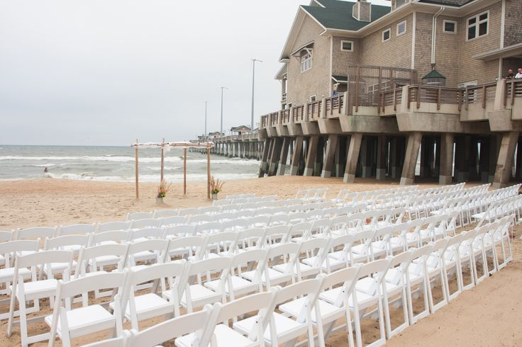 Jennette's Pier Beach Ceremony. Jennette's Pier Wedding / Outer Banks Wedding / Photo by Coleman Shots #jennettespierwedding #outerbankswedding #jennettespier #obx #nagsheadwedding