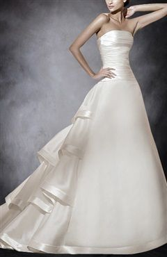 Chapel Train Strapless  A-line Sleeveless Wedding Gowns