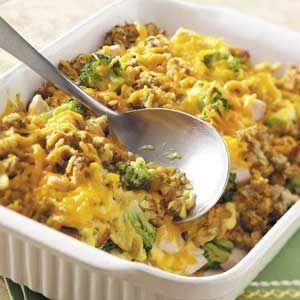 Broccoli met Kip ovenschotel. Laat de aardappelen weg, vervang eventueel door gebakken schijven courgette