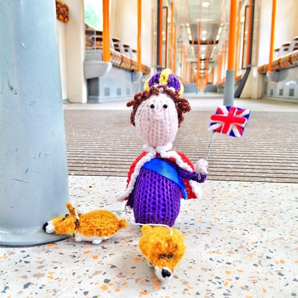 Craft at its' finest. Whodunnknit Pix: The little knitted Queen and her corgis inspect the London overground. #stitchlondon #jubilee by Deadly Knitshade.