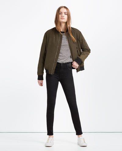 Image 1 de JEAN TAILLE HAUTE de Zara
