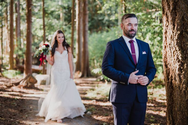 Victoria BC Sea Cider First Look in the Forest. Sidney and Saanich BC. Sneak Peek. Vancouver Island Wedding Photos