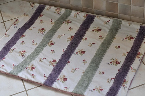 "Repurposing old towels and leftover fabric into a bathmat! (As originally seen in Amanda Blake Soule's ""Handmade Home"")"