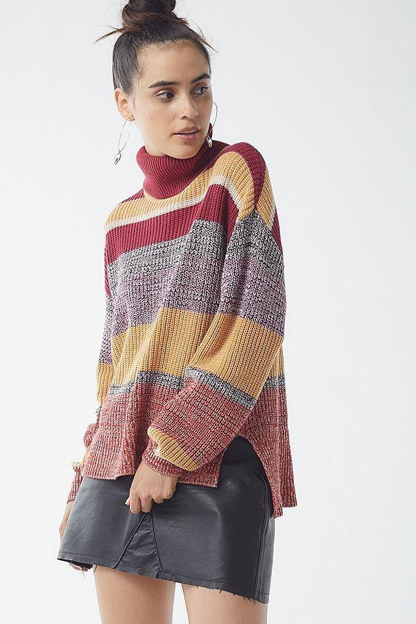4ed52fc729 UO Pullover Turtleneck Sweater