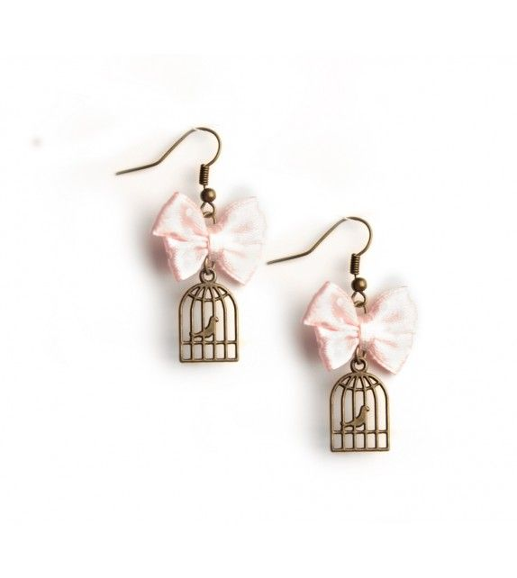 Free me earrings. available at www.aconite.at