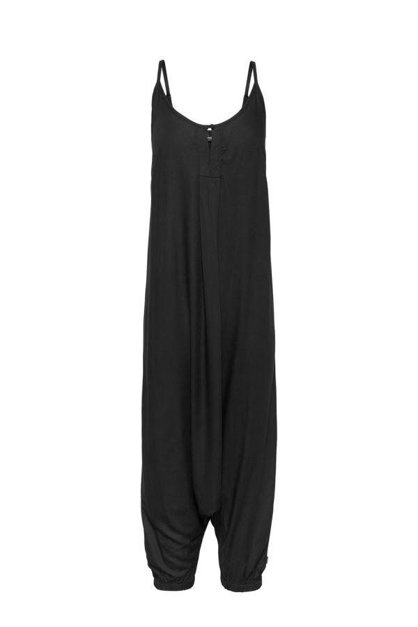 Dé jumpsuit van 2017, deze#oversized #jumpsuit met #harembroek van #Didi #zwart #style #shoppen #leuk #hobbezak #ruim #wijd #heerlijk #draagtgeweldig #Didi #Nederland #onineshoppen #tipvanjufsas #blog #jufsas