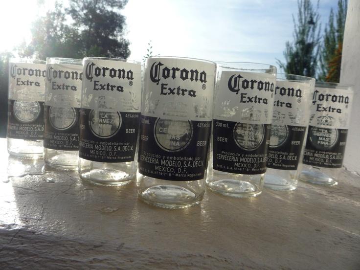 Para que compartas con tus amigos, traemos este six pack de Vasos Reciclados de tu Cerveza Favorita! (también disponible en Corona Light). El precio es por el Six Pack.    Todos los Productos Green Glass son Ecológicos y Reciclados de Botellas de Vidrio. Cada Producto viene en su Caja Individual con un Mensaje Ecológico.