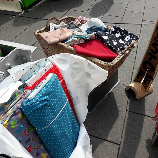 Wenn dpd auch auf den Markt liefert 😊 #nachschub #stoffe #feincord #posten #jersey #swafing 10€/m