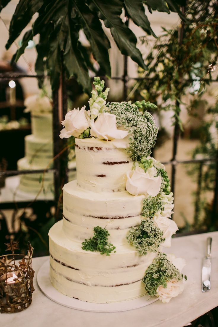 wedding cakes in lagunbeach ca%0A simple wedding cakes  photo by Lara Hotz http   ruffledblog com