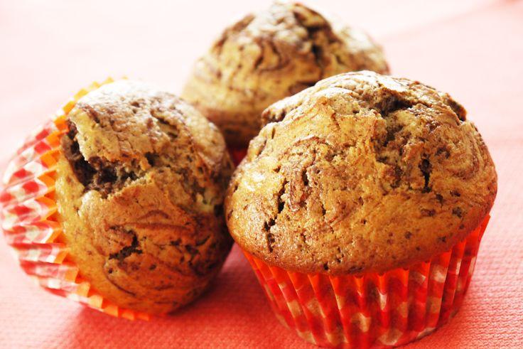 A partir de 12 mois Quoi de meilleur qu'un gâteau marbré au chocolat pour le goûter de bébé ? Le gâteau au yaourt est sans conteste le gâteau le plus simple du monde à faire et le gâteau préféré de tous les bout'chou... et aussi des parents ! Alors laissez-vous tenter par cette recette de Gâteau au yaourt marbré au chocolat pour Bébé : Tendre, et Moelleux à souhait ! A faire et à déguster en famille ...
