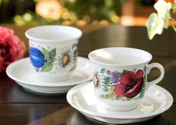 美しいお花との生活を…。  アラビア/ARABIA ヴァルム/Valmu コーヒーカップ&ソーサー