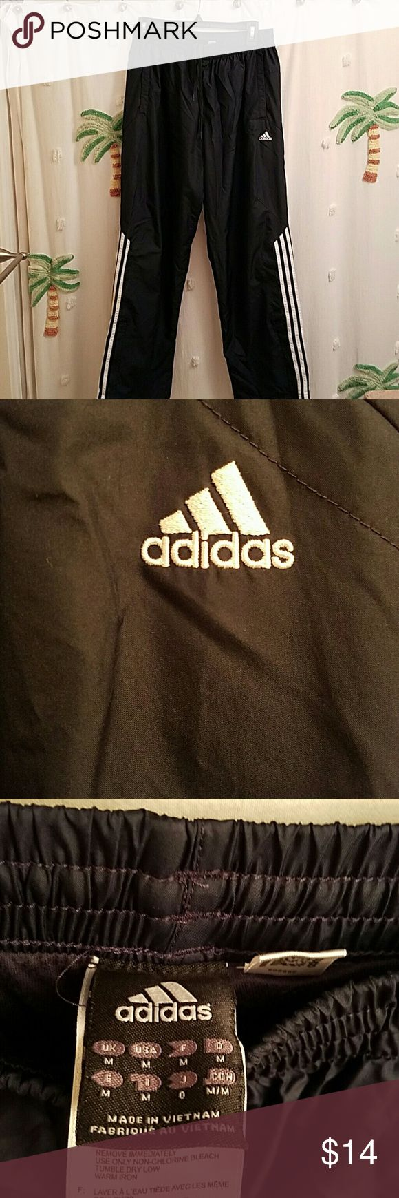 Adidas mens athletic pants size meduim Adidas dark blue athletic mens pants in EUC double front pocket with draw string front. adidas Pants Sweatpants & Joggers