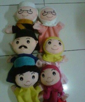 Boneka tangan edisi keluarga