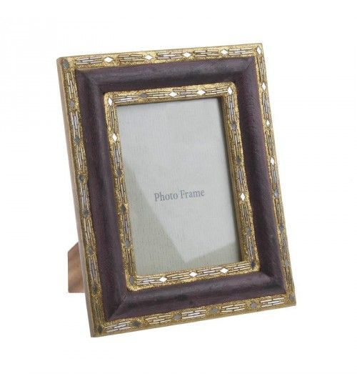 WOODEN PHOTO FRAME IN BROWN_GOLDEN COLOR 10X15