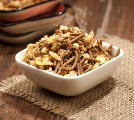 Roasted diet snacks have low fat, calorie content and high protein and fibre content. BrownTree Chiwda is a delectable mixture of crunchy be...