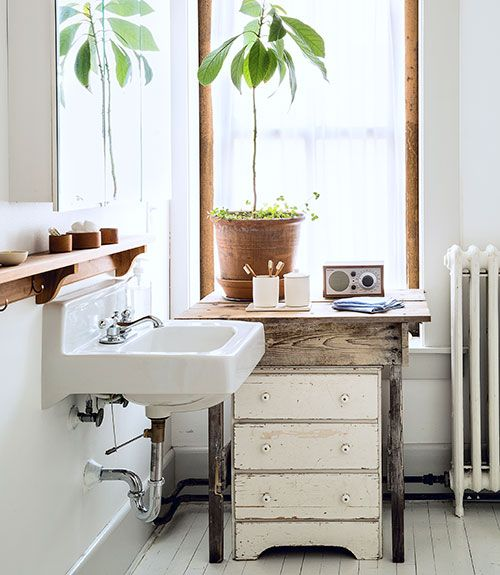 Farmhouse style loft farmhouse style lofts and country for Country living bathroom designs