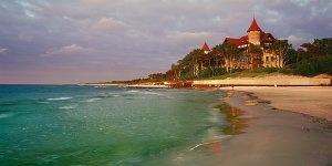 Stuletni zamek na plaży w Łebie, Łeba, gmina Łeba, powiat lęborski, województwo…