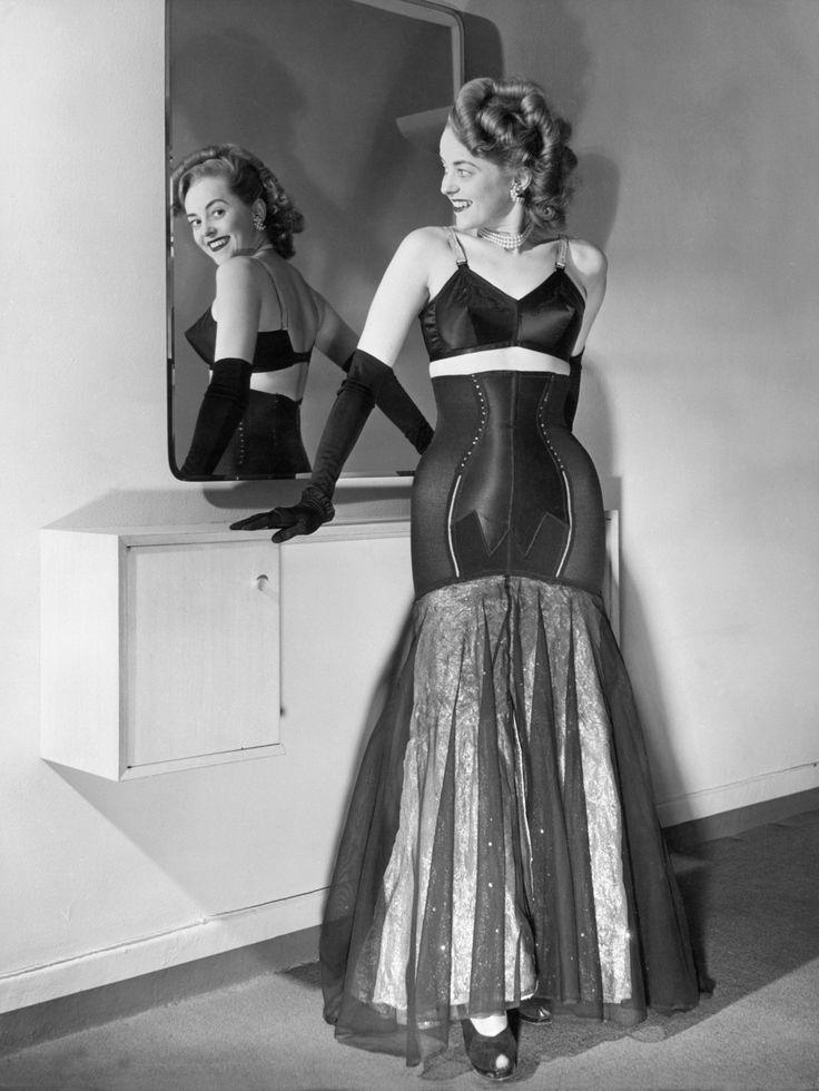 lingerie of 1950 girls of today wear much less over like dress showing navel 1940s. Black Bedroom Furniture Sets. Home Design Ideas