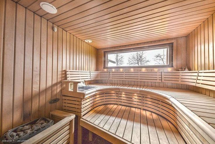 Tämä Villa Mare rantahuvila on rakennettu Rantasalmen patentoimasta Ekorex-hirrestä ja se on varustettu nykyaikaisella tekniikkalla, maalämpö vesikiertoisine lattialämpöineen yhdistettynä LTO ilmanvai