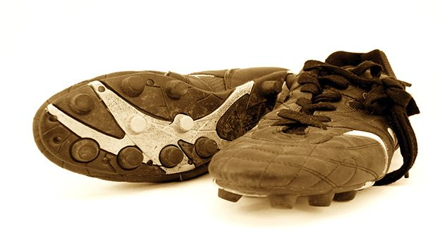 Ever since the activity commenced, Moulded stud football boots have been the player's most critical equipment. Moulded stud bottoms are generally right for all free of moisture or company pitches-indoors or out, synthetic or all-natural-everything other than dirty exterior all-natural turf pitches.