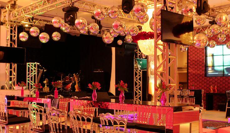 Está precisando de serviços de som e iluminação para sua festa? Acesse o site www.gofestejar.com e fale com a BH Fest Som & Luz. Mais serviços para festas você encontra na GoFestejar! #gofestejar #festa #casamento #assessoria #decoracao #wedding #party #marriage #weddingphotography #love #amor #beautiful #happy #cute #instagood #tbt #friday #bride #noiva #music #som #dj