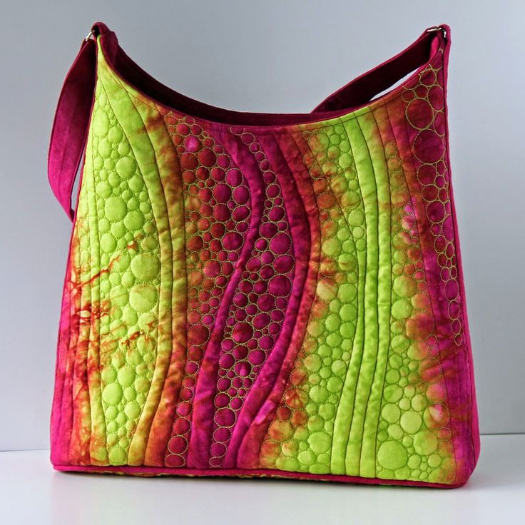 Jana Dohnalová hand dyed and free motion quilted handbag