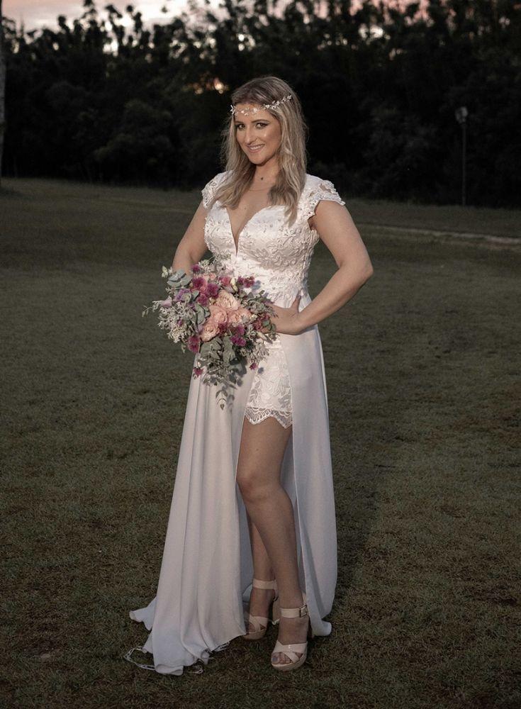 d0f7a3bbe Vestido de Noiva com Fenda