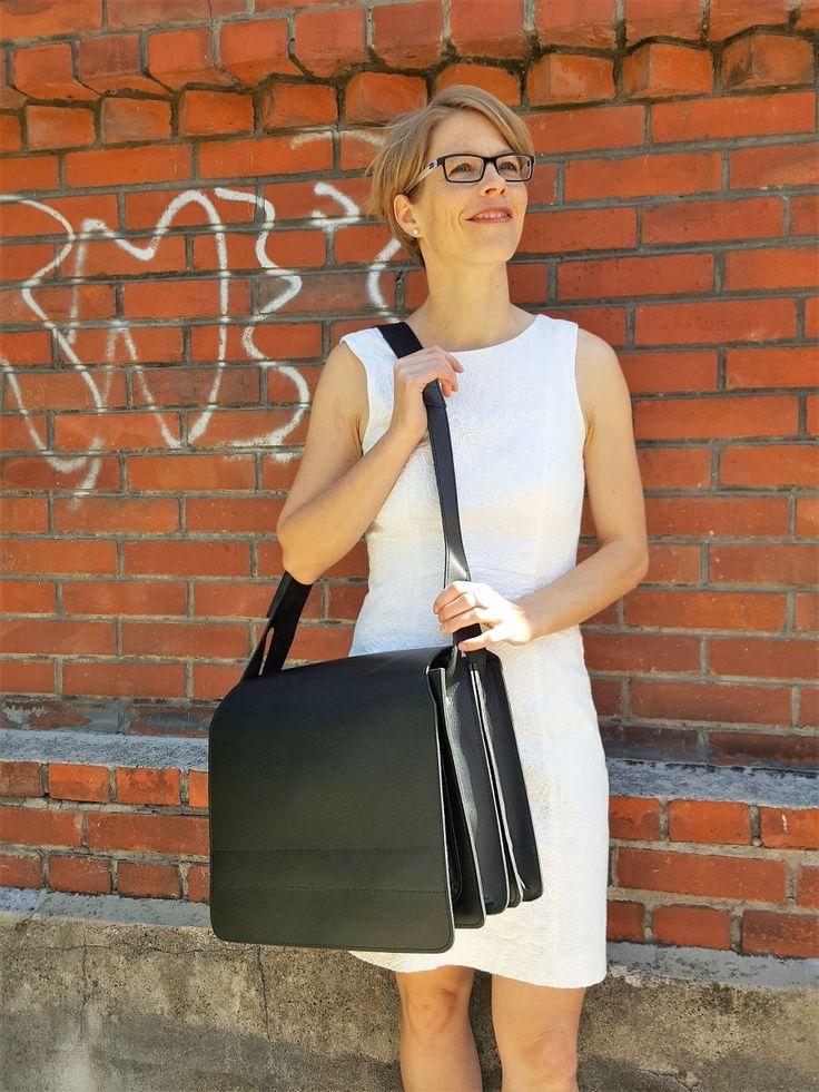 Lehrertasche made by Jahn.  #hamosons #bags #lehrertaschen #taschen #jahnlederwaren #aktentaschen #ledertaschen #lederrucksack #mystyle #design #lovemybag #business #outfit #businesstasche #lehrertasche #lehrer #schule #jahntasche #mode #fashion #ledertasche #tasche #style #sommer2017 #summeroutfit2017 #harolds