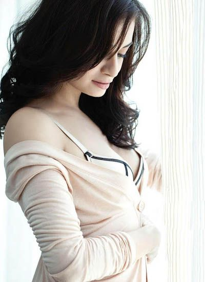 Dia Mirza Hot Unseen Pictures 4