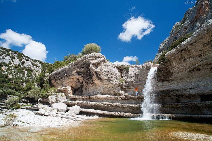 Sardegna-La straordinaria cascata di Giunturas nel Supramonte