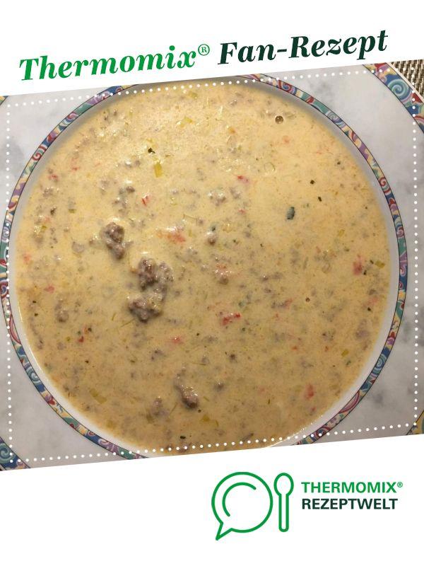 Paprika-Lauch-Käse-Suppe mit Hackfleisch