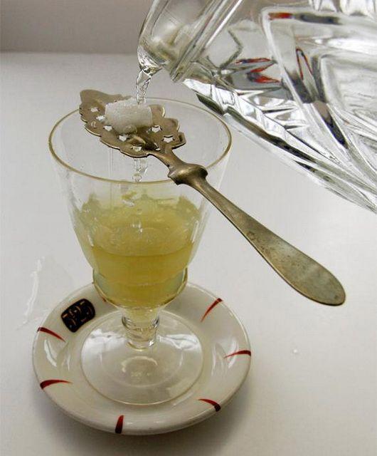 абсент и сахар фото