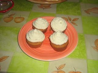 Cupcakes alla cannella con crema di burro allo sciroppo d'acero