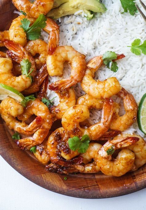 Shrimp caramelized with honey, garlic, spicy red pepper flakes, and lime. If this doesn't make you drool then I don't know what does. This recipe requires nothing more than a few common ingredients and a saute pan, so make this one weeknight for dinner or serve it as an appetizer with a side of mango...
