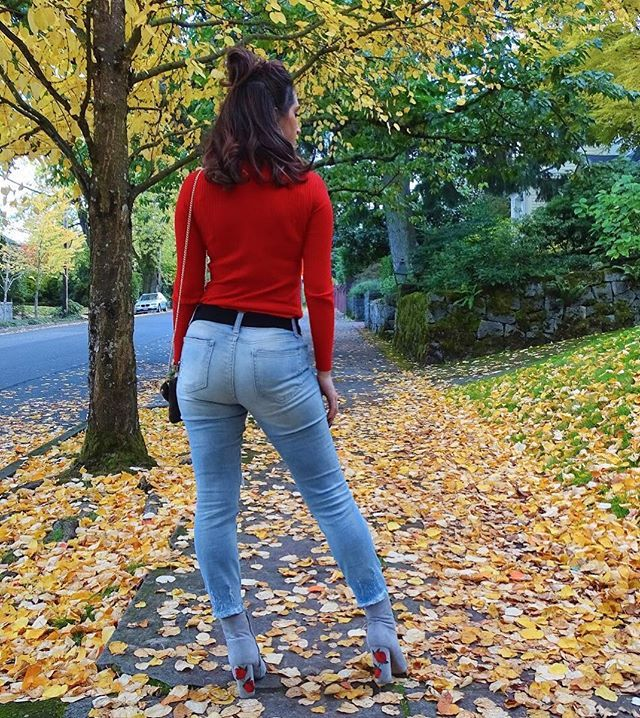 """Reposting @kateyblaire: New blog post """"Behind the Bootie"""" is up! Double meaning? You'll have to read my post to find out 😂 link in bio! • • • • • #fashion #style #beauty #booties #floral #jeans #body #goals #ootd #outfit #complex #fallfashion #hair #red #fall #autumn #leaves #shoes #stylish #fashionblogger #blogger #bloggerstyle #feature #pose #design #trends #vinted #vsco #vscocam"""