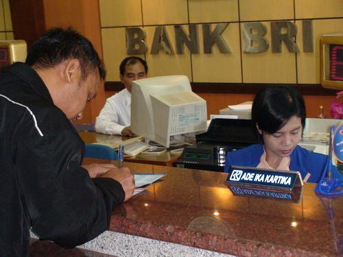 BRI Gandeng Alfamart Salurkan Kredit Usaha Mikro - berita - CariKredit.com