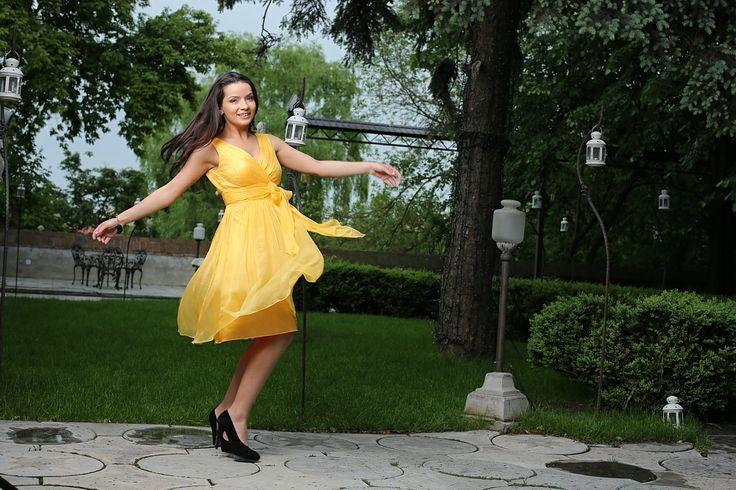 Beautiful exuberance, stylish appearance #womensfashion #dresses #beauty #yokko