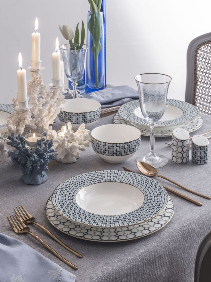 Porcelain, dinner, sophisticated table, table settings, table set, dinnerware, tableware